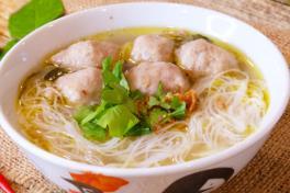 Bakso Ria Sop + Bihun (Beefball Soup w/ Bee Hoon)