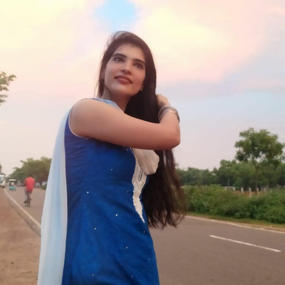 Go to the profile of  Charu Arora