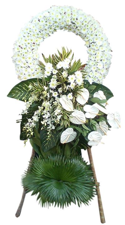 Round condolence flowers