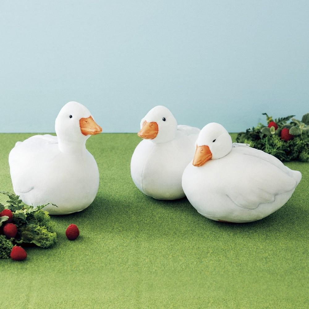鴨仔化妝袋共推出了三款,三款的鴨頸長度有點不同,表情也略有不同