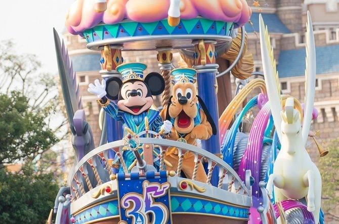 不用花錢買門票都可以看東京迪士尼樂園表演
