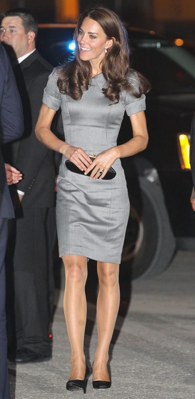 女王喜歡愛穿絲襪的成員