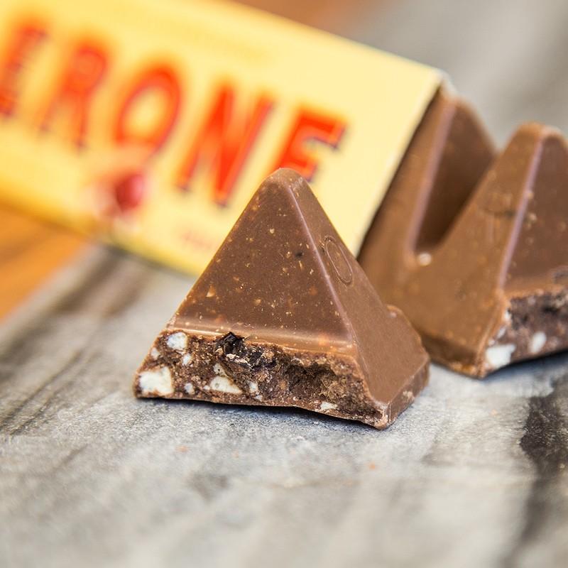 瑞士朱古力品牌Toblerone的三角朱古力很經典,三角形狀是象徵瑞士阿爾卑斯山的馬特洪峰