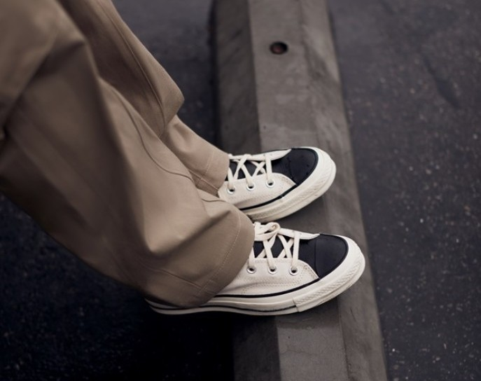 Converse帆布鞋「黑白配」Fear of God ESSENTIALS