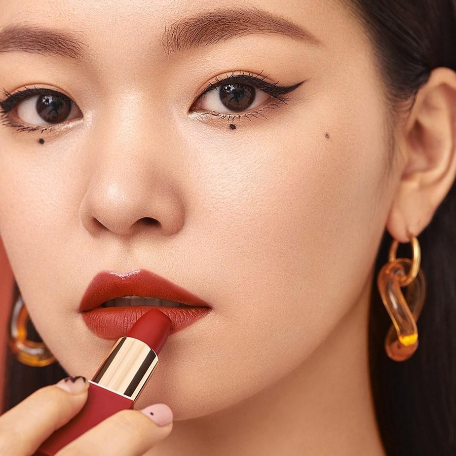 韓國彩妝品牌Stone Bric唇膏牆