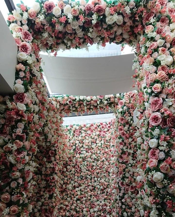 泰國曼谷Kay's Boutique Breakfast 2萬朵花大型花牆