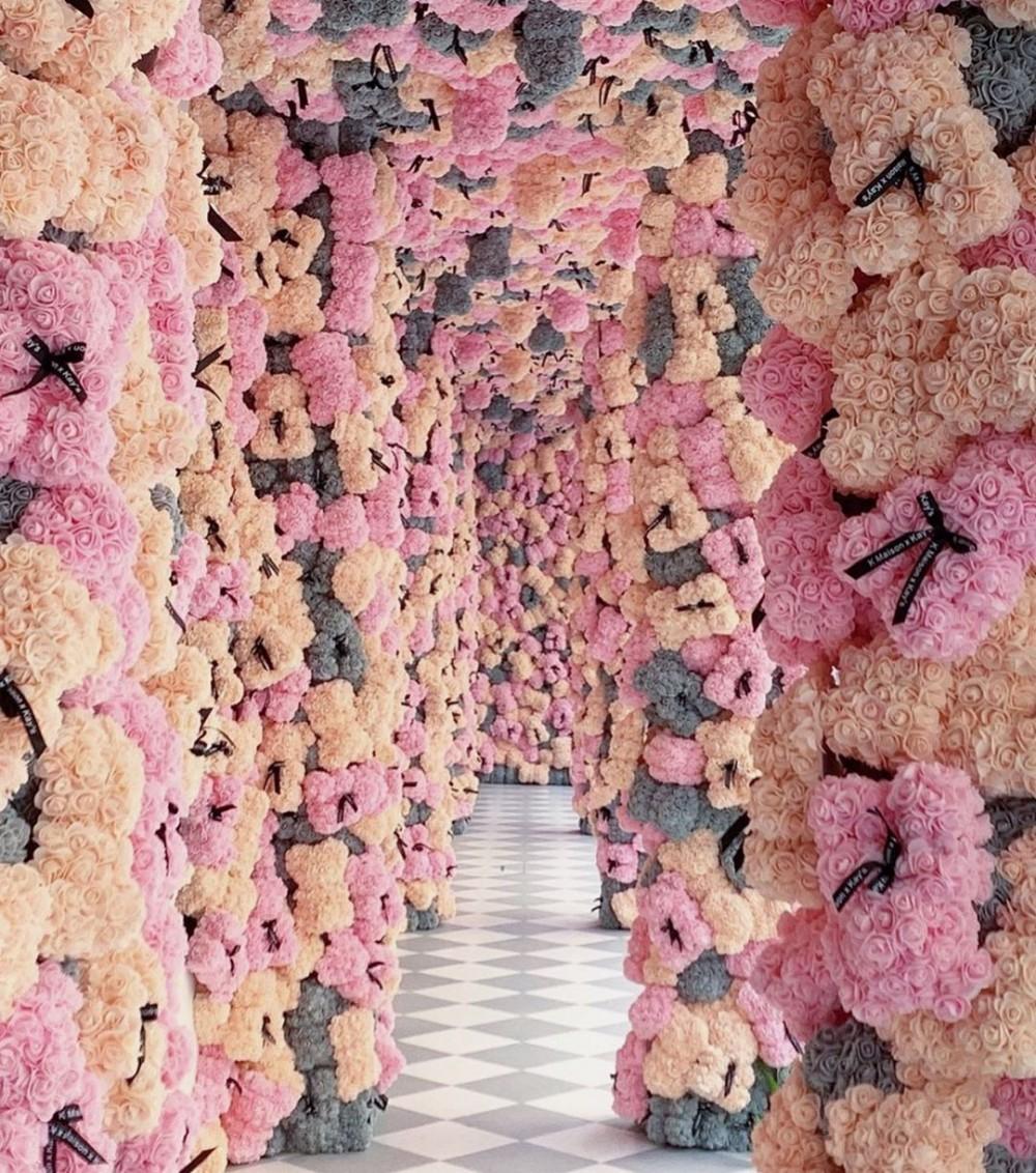 泰國曼谷打卡 Kay's Boutique Breakfast 2萬朵花組成浪漫大型花牆