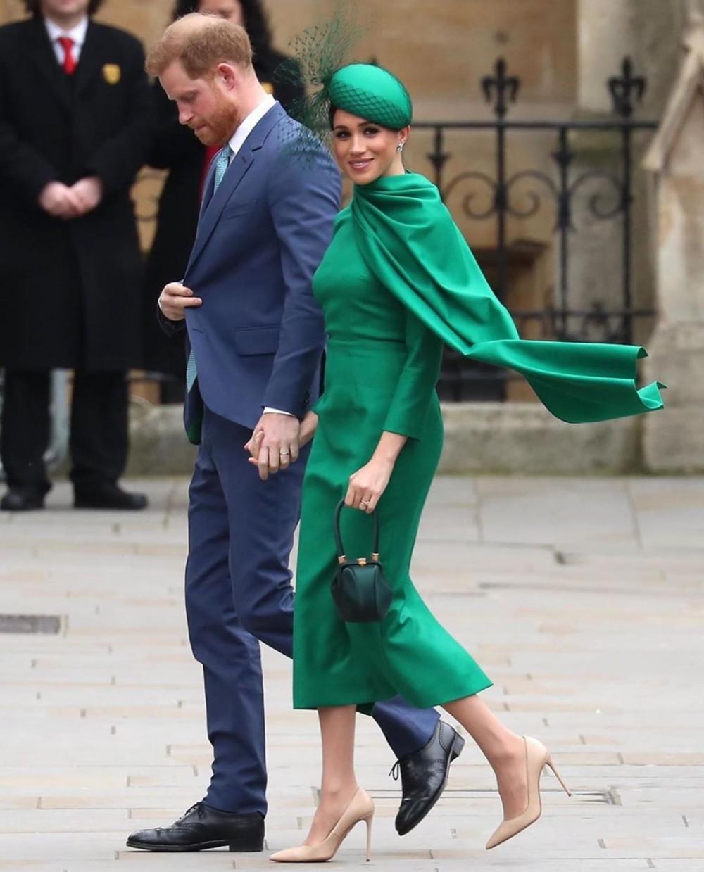 哈里王子與梅根出席的「國協慶典」與英女皇、威廉王子夫婦等皇室成員同場