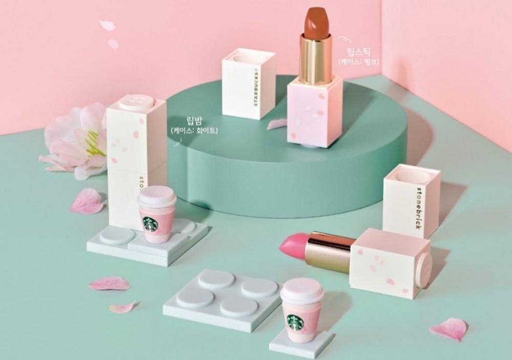 韓國Starbucks和Stone Brick合作推出2款唇膏和1款無色潤唇膏