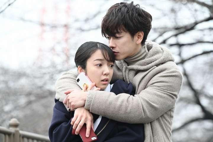 日劇《戀愛可以持續到天長地久》女高生「佐倉七瀨」邂逅冷酷的天才醫生「天堂浬」