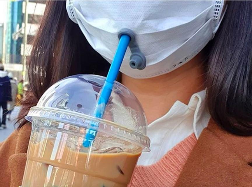 戴口罩喝飲品 韓國連鎖咖啡廳 Paik's Coffee 自製飲品專用吸嘴口罩