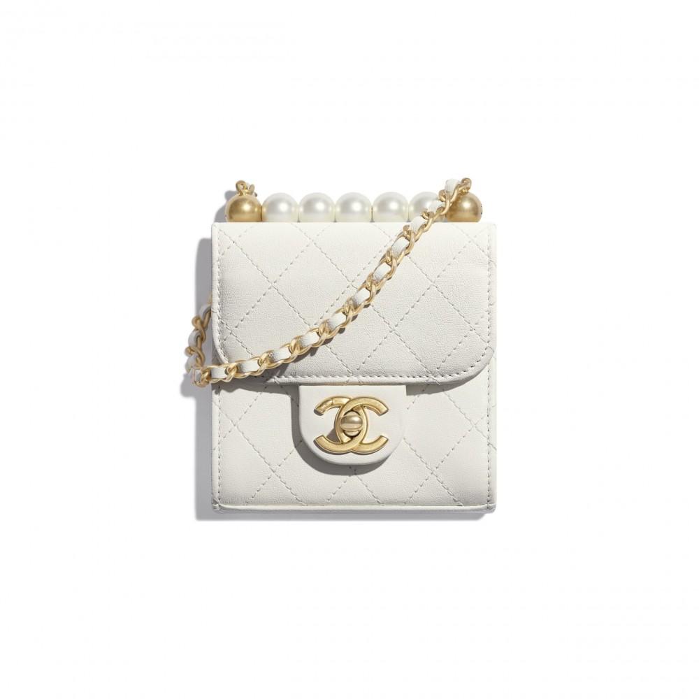 clutch-with-chain-white-goatskin-imitation-pearls-gold-tone-metal-goatskin-imitation-pearls-gold-tone-metal-packshot-default-ap0997b0215610601-8821781889054