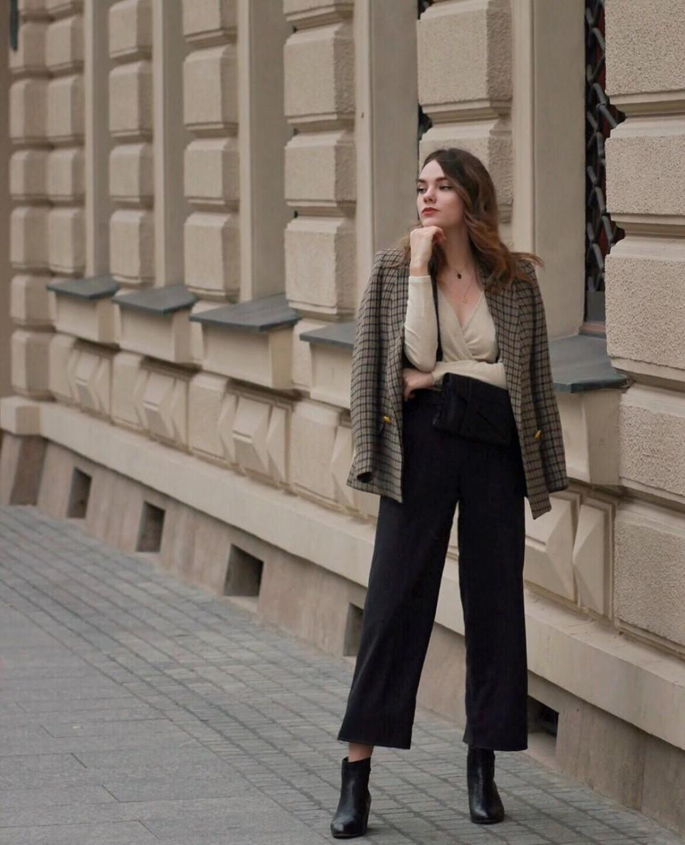 增高顯瘦穿搭時尚KOL Constance (IG @_constance_d)