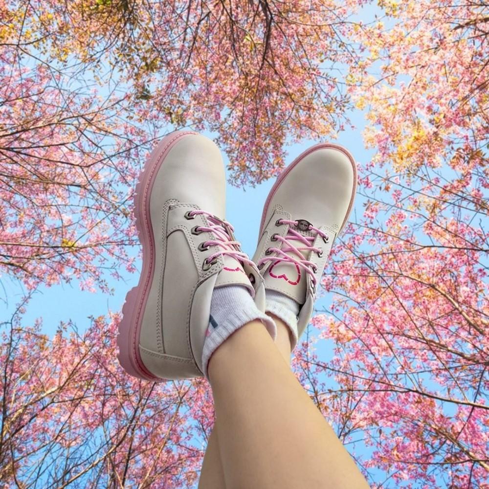 Timberland女款白色磨砂革愛心短靴 價錢