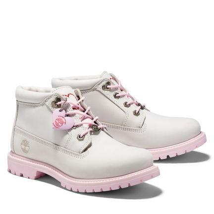 Timberland女款白色磨砂革愛心短靴