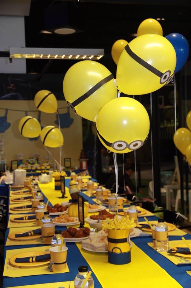ธีมมินเนี่ยนน่ารักๆ สำหรับงานวันเกิดสุดพิเศษของลูกรัก - เราให้บริการตั้งแต่การจัดปาร์ตี้ ตกแต่งสถานที่ ลูกโป่ง อาหาร ขนม เครื่องดื่ม และกิจกรรมต่างๆ