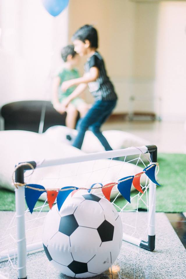 For sport lover boys, Football birthday decoration including table setting, food, desserts, drinks, games, birthday cake, football sweet treat