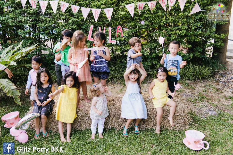 Thai celebrity's daughter, Paula Taylor and little Lyla with the Tea Party for celebrating her birthday -- cute decoration, good food, cute cake, and fun stuffs