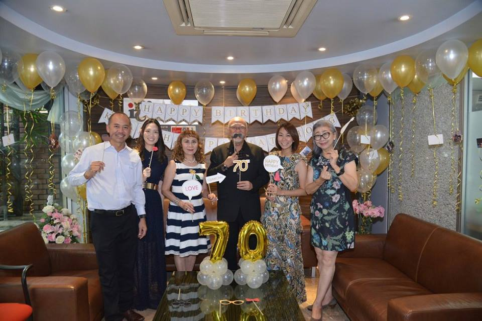 Balloon decoration, surprise party, balloon birthday surprise with gold theme color for your special one -- balloon service in Bangkok