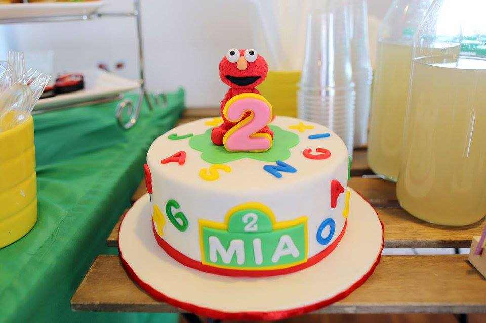 Celebrating your kids' birthday party with classic cartoon character