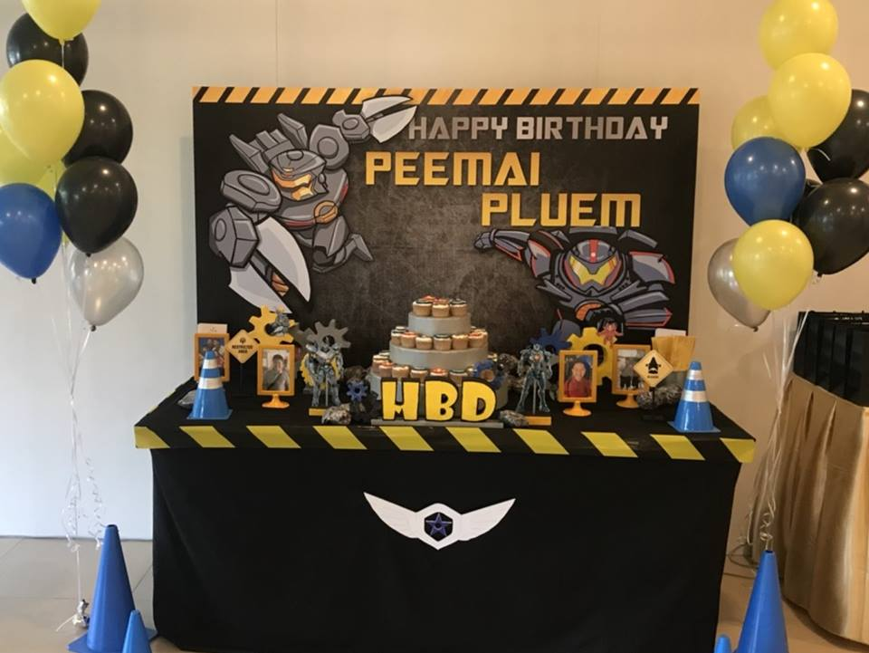 Birthday decoration in Pacific Rim theme party with cool decoration, backdrop, cake table, birthday cake and themed desserts, customizing the theme for you and your child