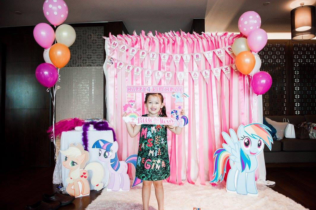 Celebrating your kids' special day with her favorite cartoon character