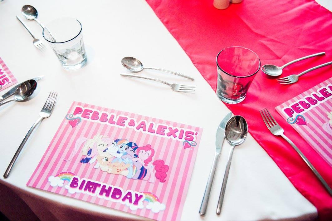 ฉลองวันพิเศษกับตัวการ์ตูนสุดโปรดของลูกของคุณ ในปาร์ตี้วันเกิดธีม