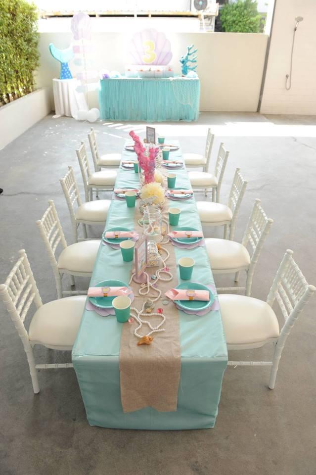 ปาร์ตี้วันเกิดน้องบีลีฟ ลูกสาวคุณพ่อตั๊ก บริบูรณ์ จัดตกแต่งปาร์ตี้ในธีมเงือกน้อยเมอร์เมด ทั้งแบคดรอป โต๊ะเด็ก โต๊ะขนม ถุงของขวัญ พินยาต้า เป็นไอเดียจัดงานวันเกิดสำหรับลูกของคุณ