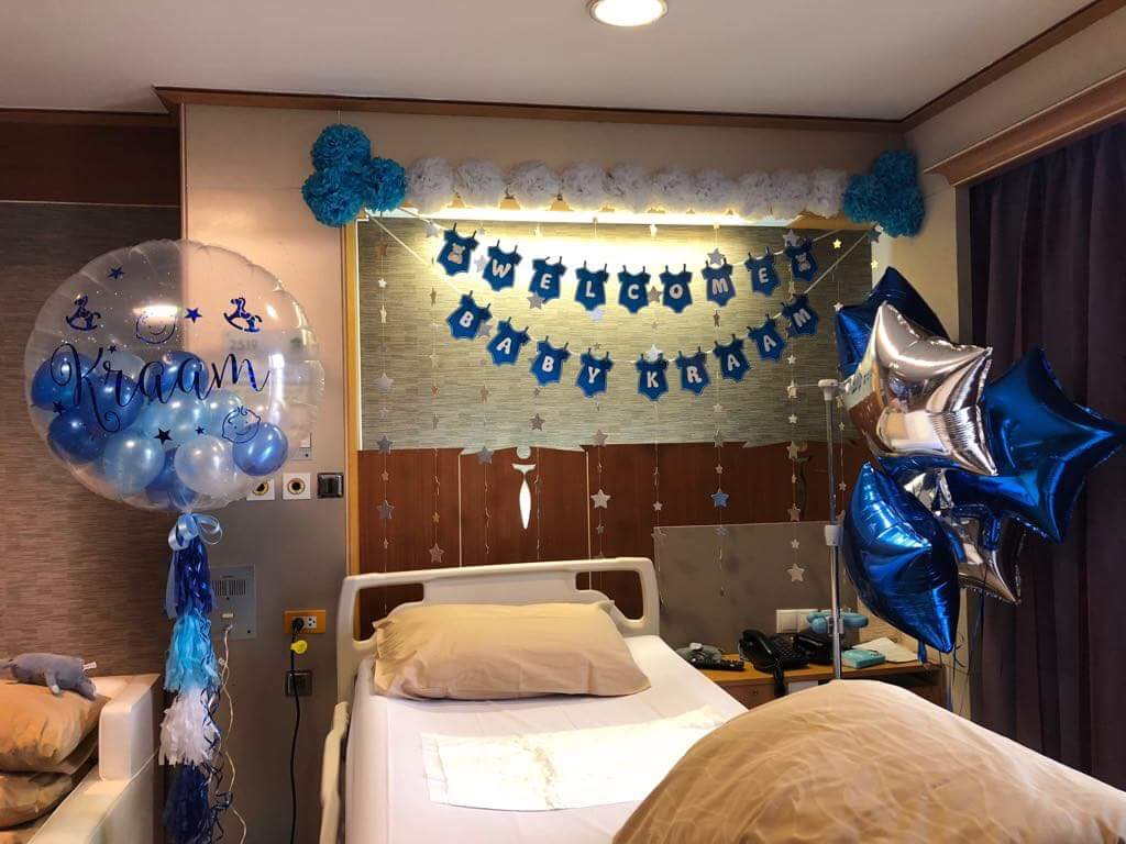Idea for baby welcome decoration, decorate in the hospital room with balloons, balloon arch, backdrop, bunting, etc.