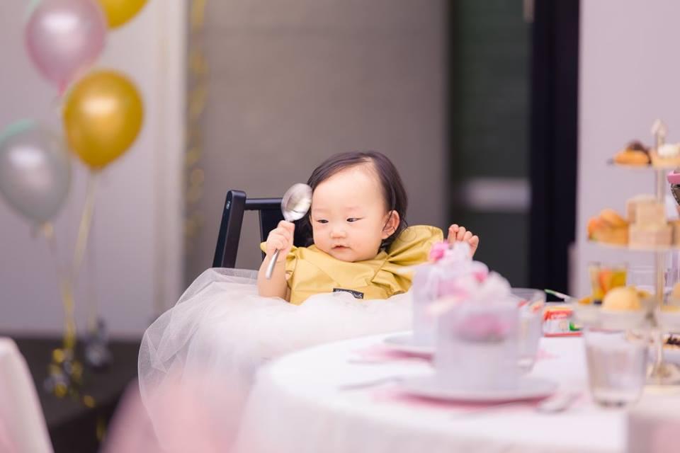 ตกแต่งจัดงานวันเกิดในธีมชมพูทอง ทั้งน่ารักและหรูหรา ทั้งแบคดรอป โต๊ะเค้ก เค้กวันเกิด และขนมตามธีมงาน - รับจัดปาร์ตี้ รับจัดงานวันเกิด จัดปาร์ตี้วันเกิด