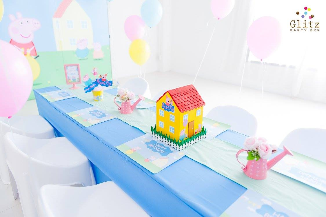 One of the most favorite party theme, Peppa Pig - A lot of memorable moments with party decoration, mascot and fun games