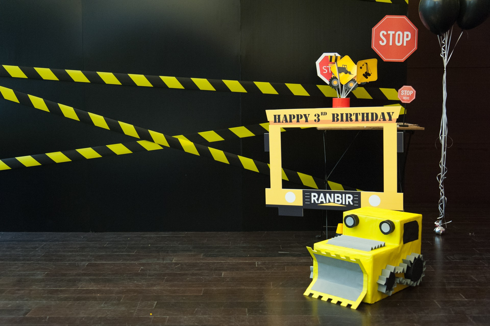 Truck and construction birthday party - unique theme design by Glitz Party BKK, the best birthday organizer for kids, providing one-stop party service in Bangkok area