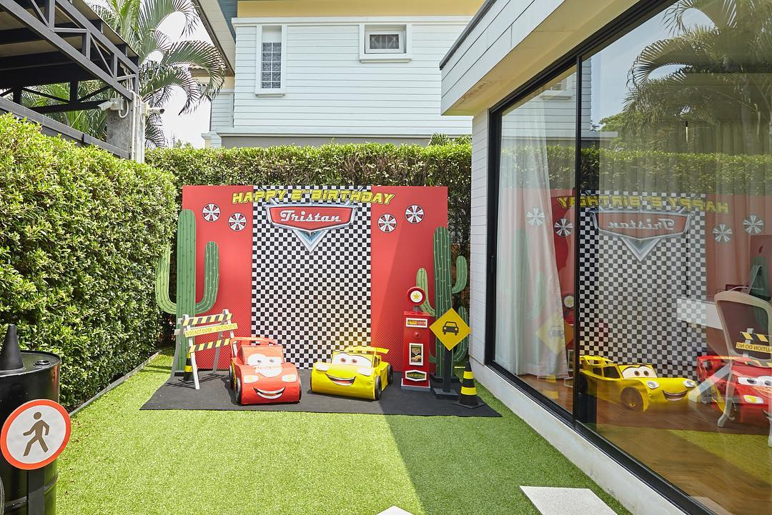 Birthday party in Cars theme for Tristan - A lot of fun activities and amazing party decorations
