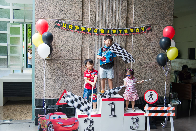 ปาร์ตี้วันเกิดธีม Cars กับการตกแต่งตามธีมออกแบบโดยเฉพาะ ไม่ซ้ำซากจำเจ เรารับจัดงานวันเกิดจัดให้ได้ตามธีมงานที่คุณต้องการ สำหรับเด็กๆ และลูกๆของคุณ