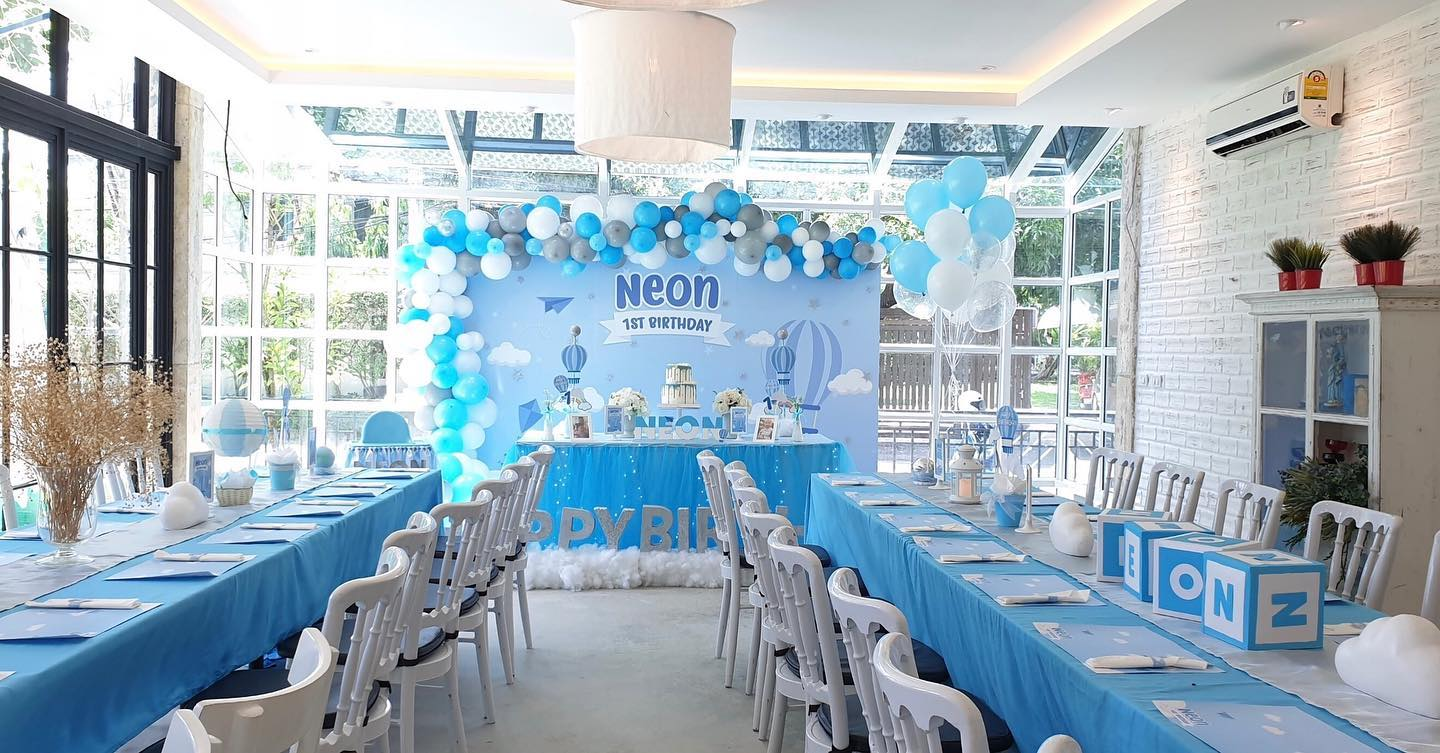 Birthday party in blue theme color for baby boys, decorations, balloons, backdrop, photobooth, table setting