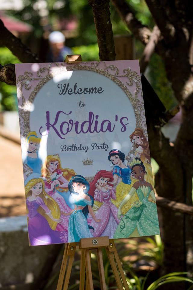 เซอไพรส์เจ้าหญิงตัวน้อยของคุณด้วยปาร์ตี้วันเกิดสุดพิเศษในธีม เจ้าหญิงดิสนีย์ ให้ลูกของคุณเหมือนอยู่ในดิสนีย์แลนด์ มีทั้งแบคดรอปปราสาท ลูกโป่งเจ้าหญิง มาสคอตเจ้าหญิง บ้านลมปราสาท และอื่นๆ ตามคุณต้องการ