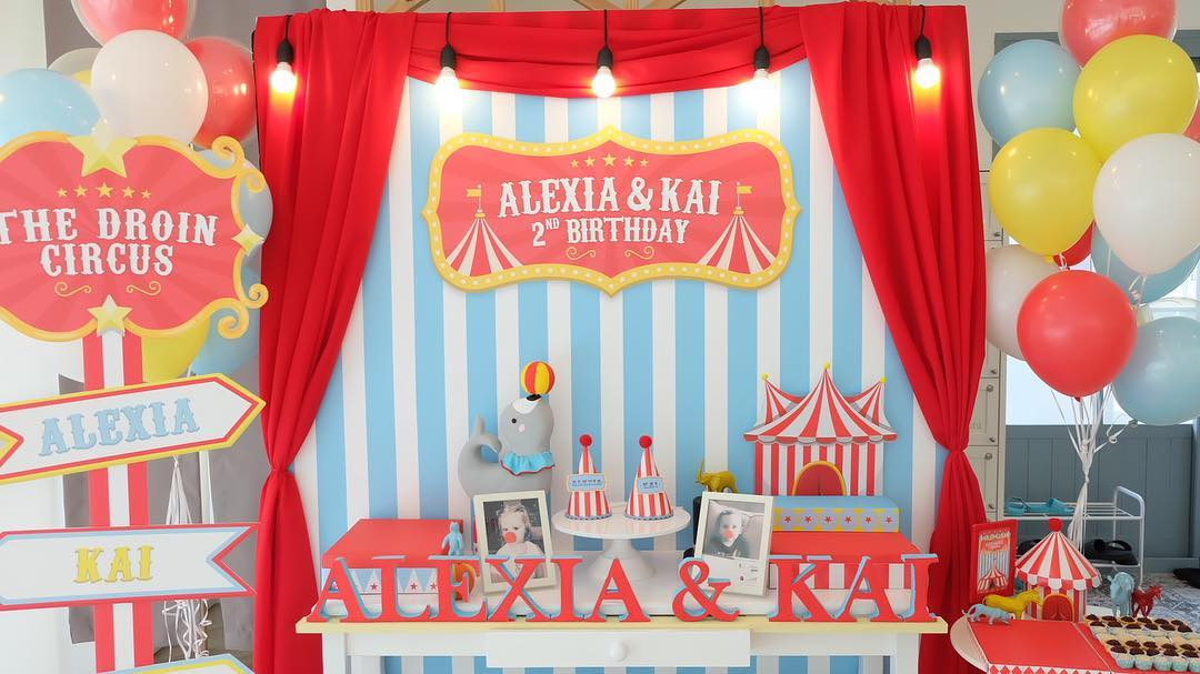 Favorite birthday theme, Circus, perfect for both boys and girls. Choosing us, the birthday party organizer providing decoration, birthday cake, entertainments, party games, bozo, magician, balloon twist, clowns, show and more fun stuffs