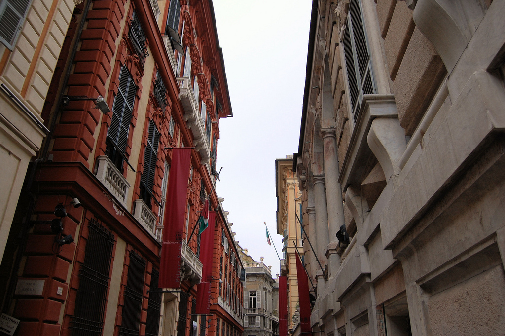 Genoa: <i>Le Strade Nuove</i> and the system of the<i> Palazzi dei Rolli</i>