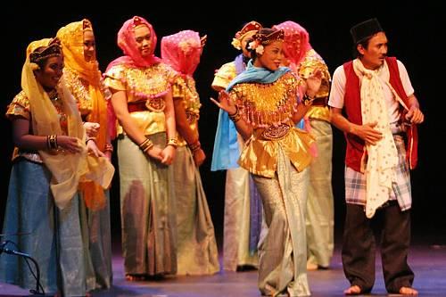 Mak Yong theatre