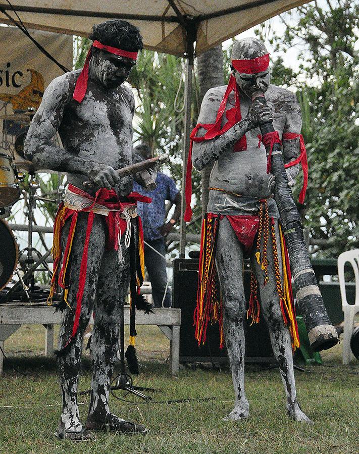didgeridoo performance