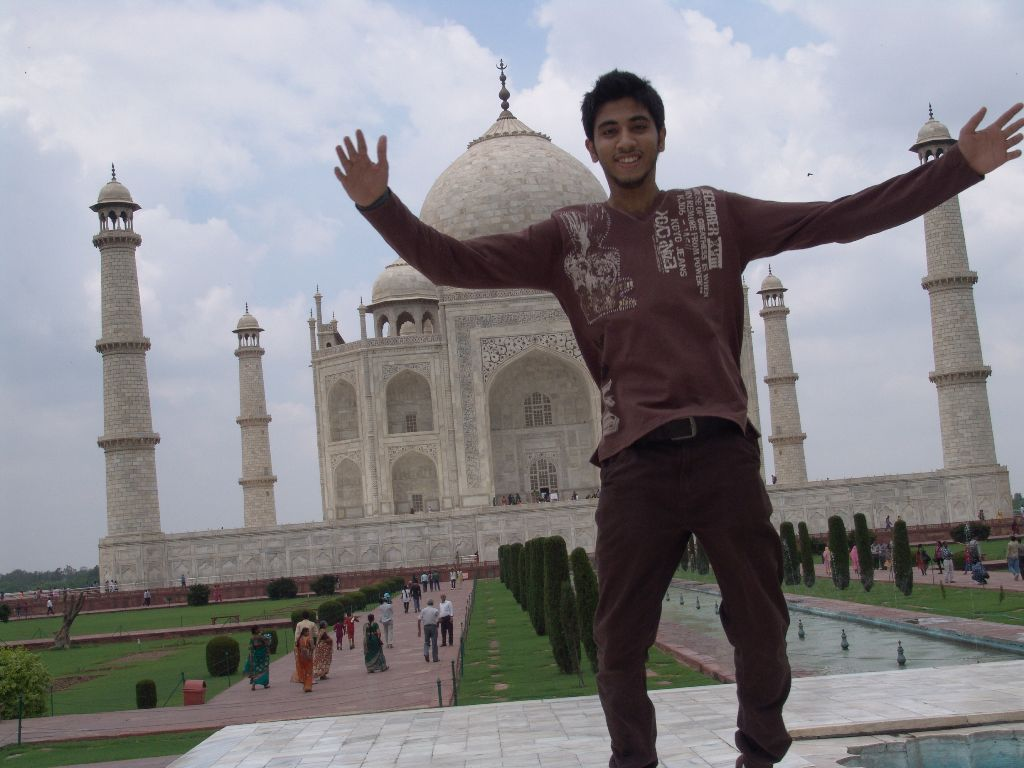 Jumping at the Taj