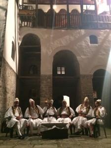 Albanian folk iso-polyphony