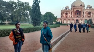 Exploring the Humayun's tomb ; friends , photos and more