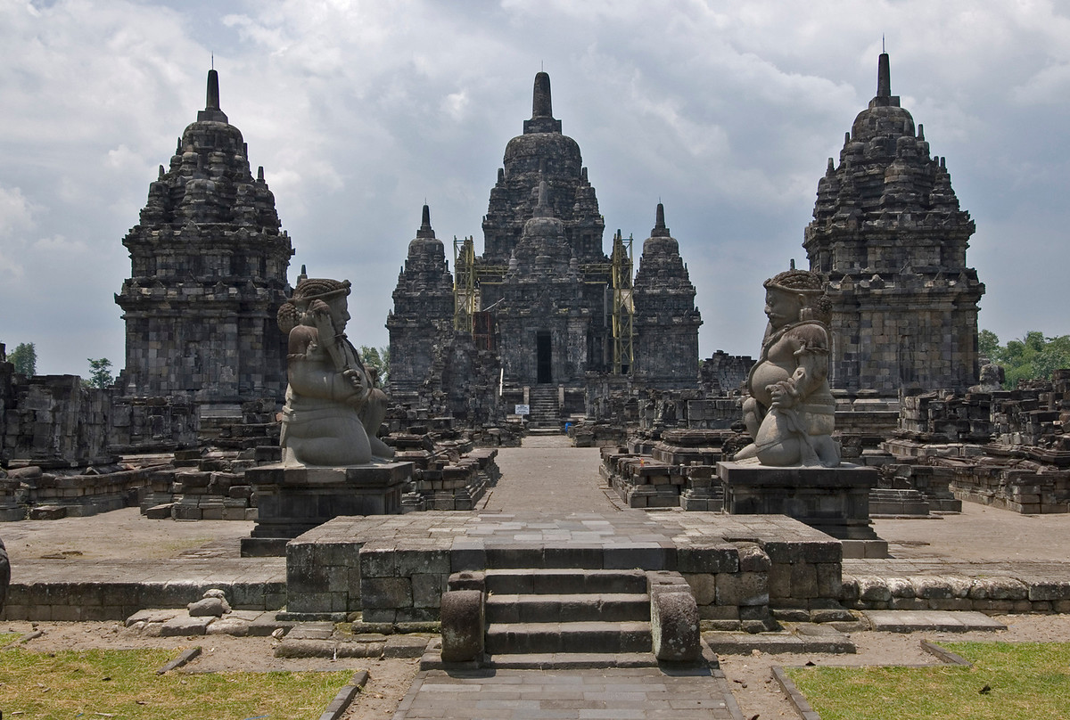 Prambanan-Temple-Compounds