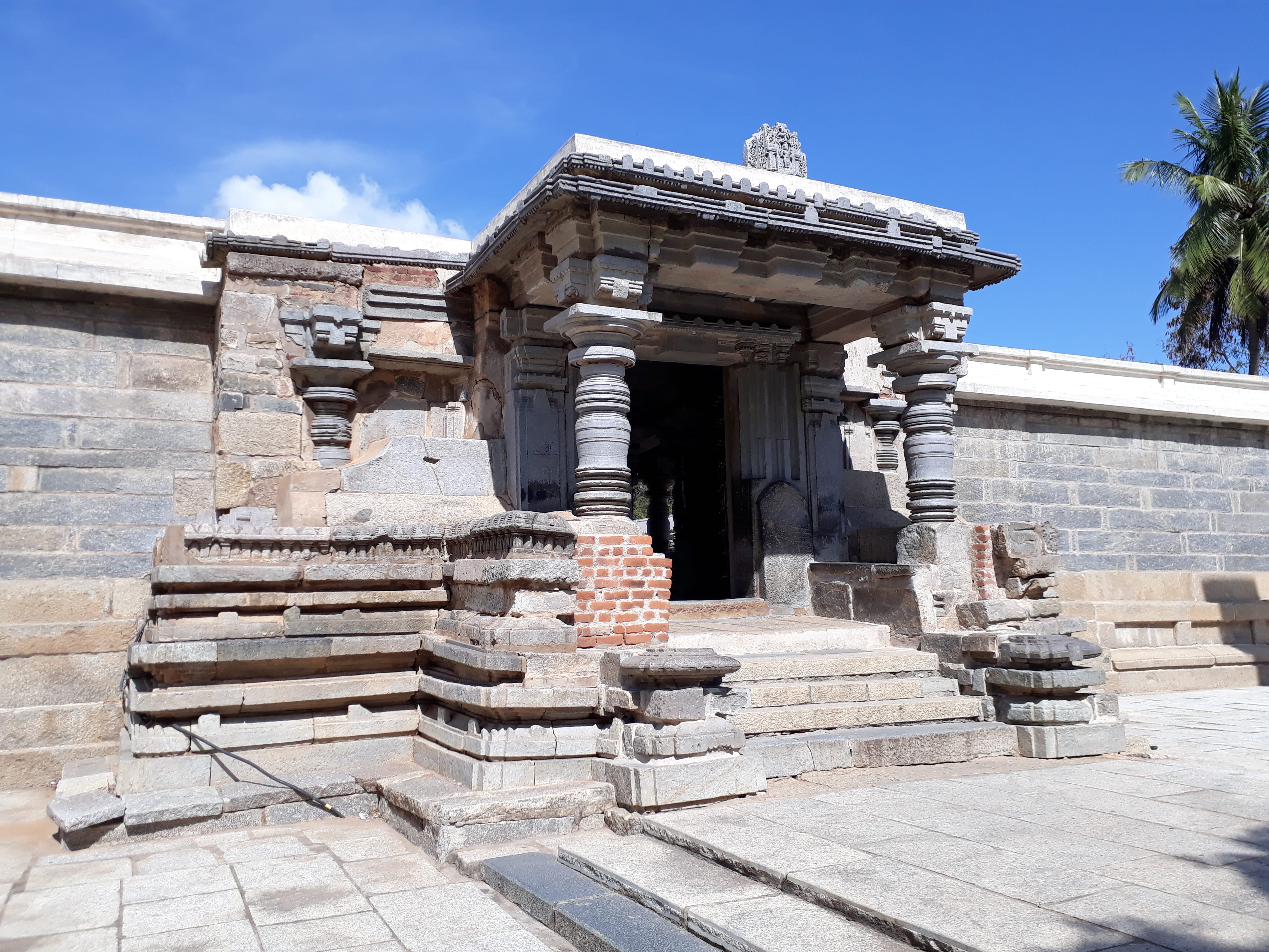 The main temple gate