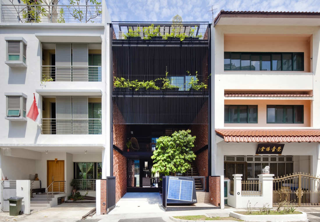 Sustainable yet modern terrace house design by dp architects for Terrace house singapore