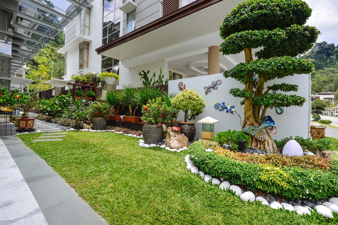 Malaysia home landscape design home design and style for Home garden design in pakistan