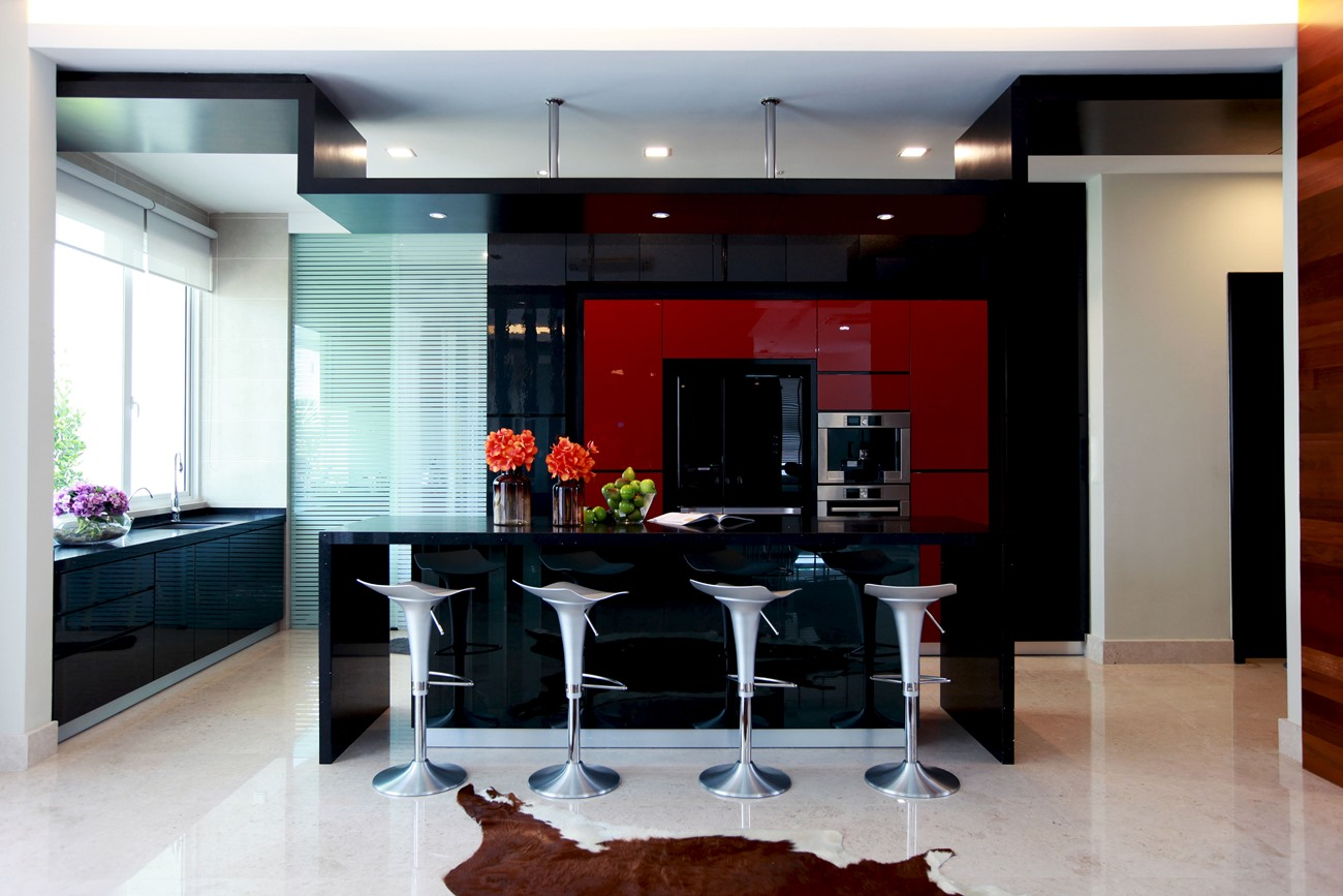 Simple dry kitchen design - Dry Kitchen Designed With A Modern Gloss Black Finish Incorporated With A Gloss Red Feature Finish Modern Dry Kitchen Design
