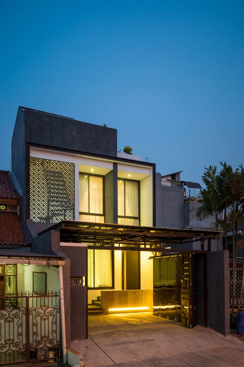 Contemporary double storey terrace house in jakarta by dp for 3 storey terrace house design