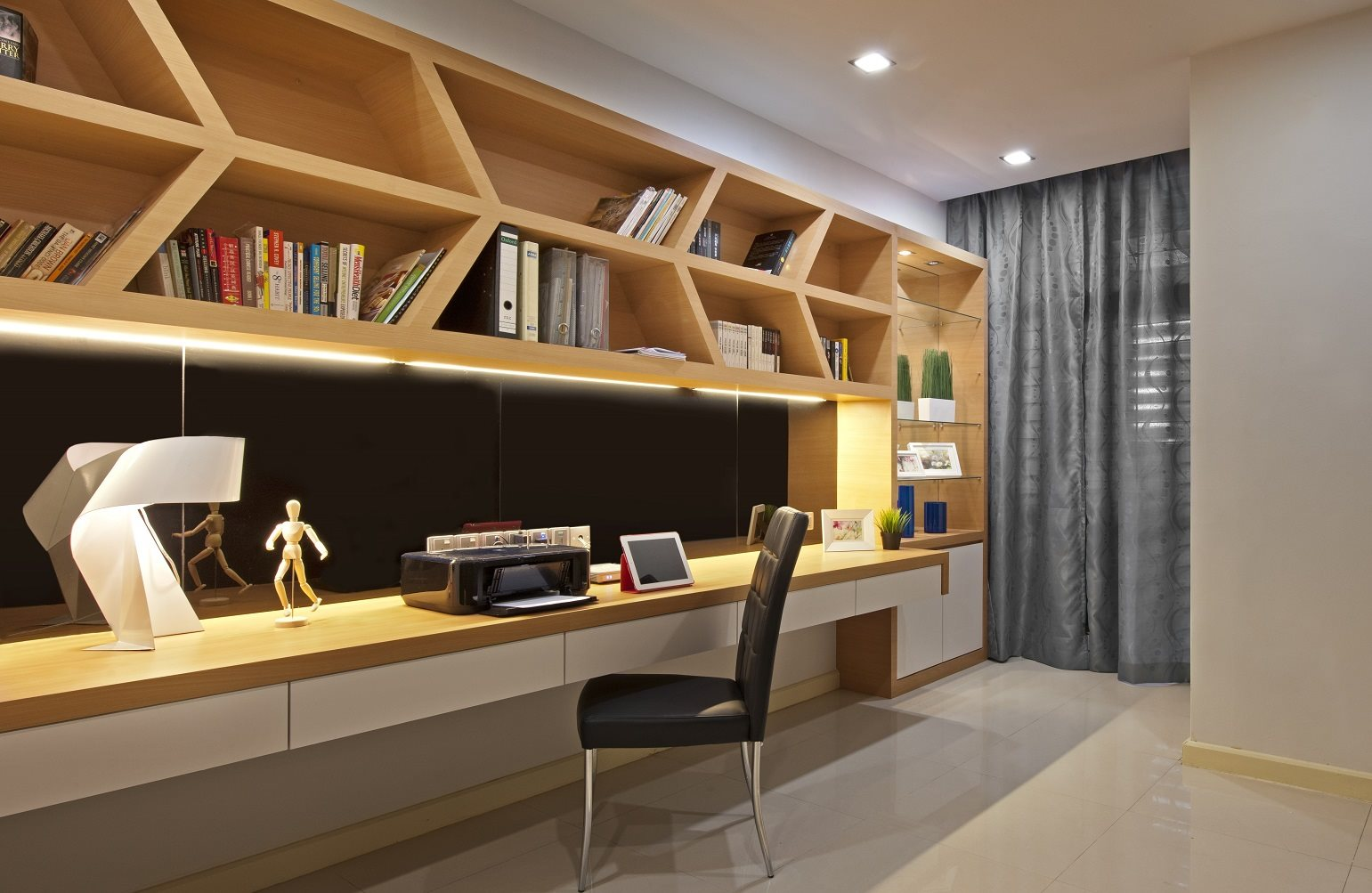 Bukit Jelutong terrace house gets the Surface R touch